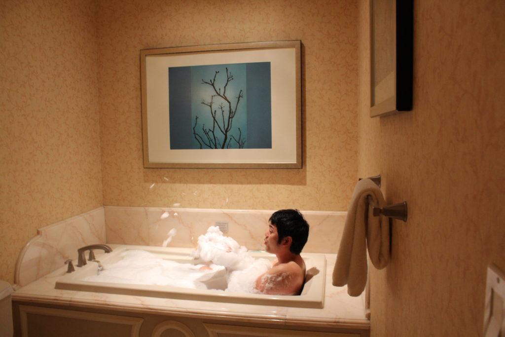 ベラージオ バスルームで寛ぐ総統